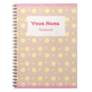O limão bonito corta o caderno do teste padrão