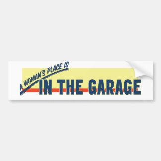 O lugar de uma mulher está na garagem adesivo para carro