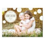 O marfim doce pontilha o cartão com fotos dos convites personalizados