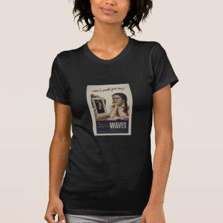 O marinho do vintage acena a camisa