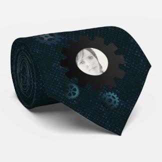 O metal azul alinha o laço da foto gravata