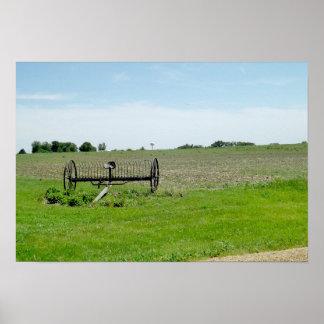 O Midwest, o trator e o poster da fazenda