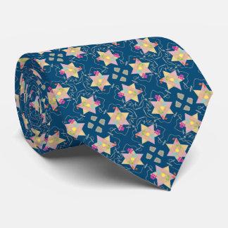 O milagre de Hanukkah modelou a gravata