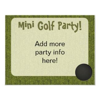 O mini furo do estilo do golfe em um convida convite personalizados
