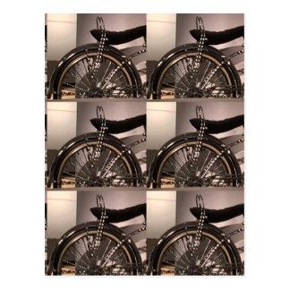 O modelo gráfico do deco da arte da bicicleta do cartão postal