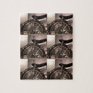 O modelo gráfico do deco da arte da bicicleta do quebra-cabeça