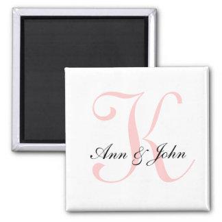O monograma que Wedding o noivo inicial da noiva n Ímã Quadrado