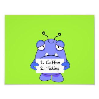 O monstro azul com café da manhã ordena o sinal impressão de foto
