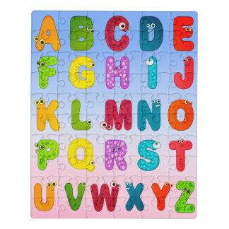 O monstro rotula o alfabeto animal