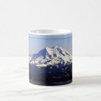 O Monte Rainier panorâmico Caneca Mágica