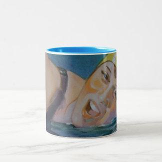 O nadador caneca de café em dois tons