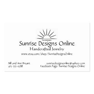 O nascer do sol projeta o cartão de visita em linh