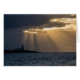 O nascer do sol sobre Coquet o cartão da ilha