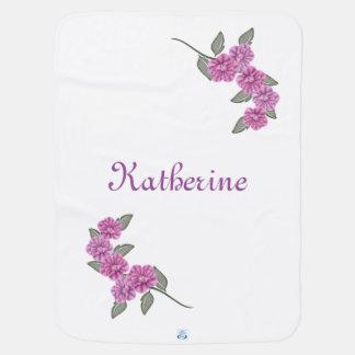 O nome do bebê com flores roxas mantas de bebe