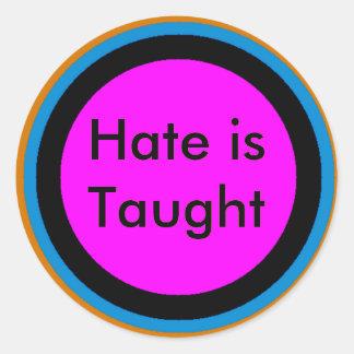 O ódio é ensinado adesivo redondo