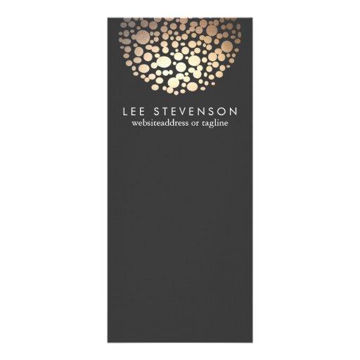 O olhar elegante da folha de ouro circunda o preto panfletos informativos personalizados
