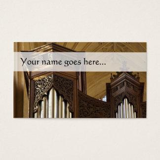 O órgão eleva-se cartão de visita