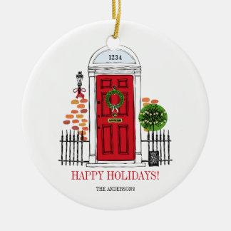 O ornamento vermelho da porta do Natal do feriado