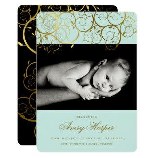 Cartão O ouro espirala anúncio do nascimento da foto do