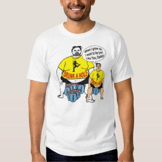 O pai bêbedo engraçado gosta da camisa do filho T Tshirts