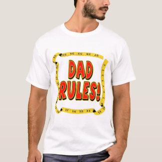 O pai ordena presentes para ele t-shirts