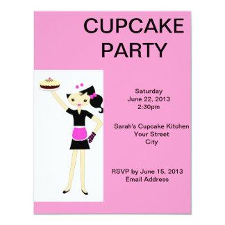 O partido cor-de-rosa do cupcake convida convite 10.79 x 13.97cm