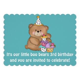 O partido de aniversário de 3 anos do miúdo de convites personalizados