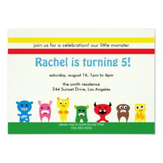O partido de aniversário de criança pequeno bonito convite personalizados