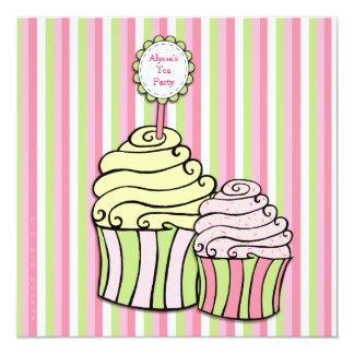 O partido listrado do tea party cupcake convites personalizado