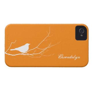 O pássaro empoleirou-se no chique alaranjado capa para iPhone