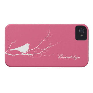 O pássaro empoleirou-se no chique cor-de-rosa capinhas iPhone 4