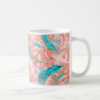 O pavão azul cor-de-rosa empluma-se a caneca do
