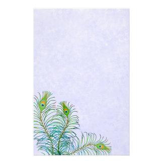 O pavão azul indiano empluma-se artigos de papelar papeis personalizados