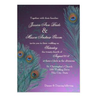 O pavão empluma-se o casamento roxo convite 12.7 x 17.78cm