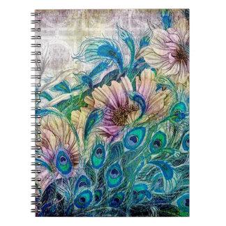 O pavão floral empluma-se o livro de nota caderno espiral