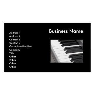 O piano fecha o cartão de visita do teclado