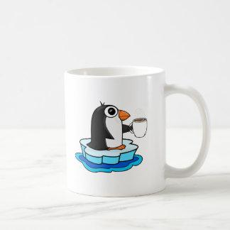 O pinguim ama o café caneca de café