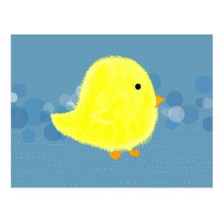 O pintinho macio do bebê com azul borbulha cartão