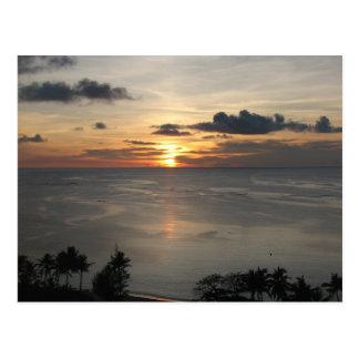 ø Por do sol em Guam Cartão Postal