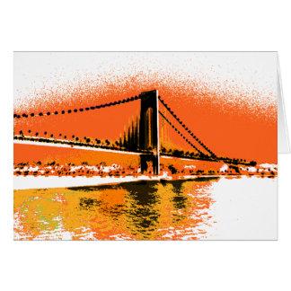 O por do sol reduz o cartão da ponte