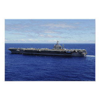 O porta-aviões USS Abraham Lincoln Pôsteres
