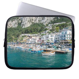 O porto da ilha ideal de Capri Capas Para Computadores