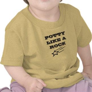 O Potty gosta de uma camisa da estrela do rock T-shirts