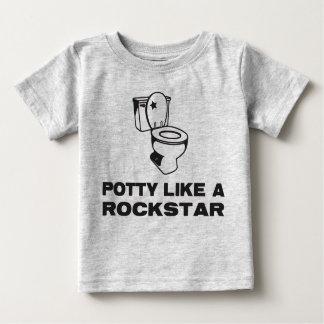 O Potty gosta de uma camisa de Rockstar