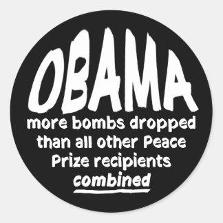 O prêmio da paz de Obama bombardeia a etiqueta Adesivo Redondo