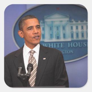 O presidente Barack Obama faz um anúncio Adesivo Quadrado