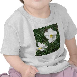 O primavera branco bonito floresce CricketDiane T-shirt