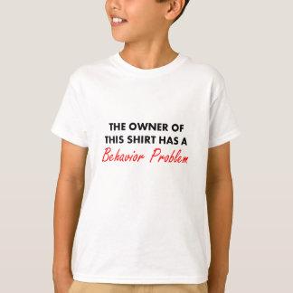 O proprietário desta camisa tem um problema do