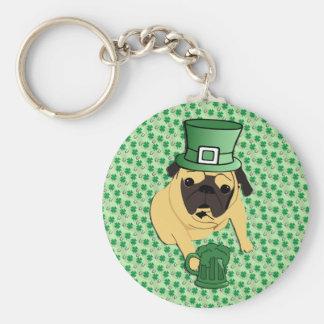 O Pug irlandês de St Patrick engraçado Chaveiro