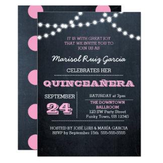 O quadro ilumina o convite cor-de-rosa de